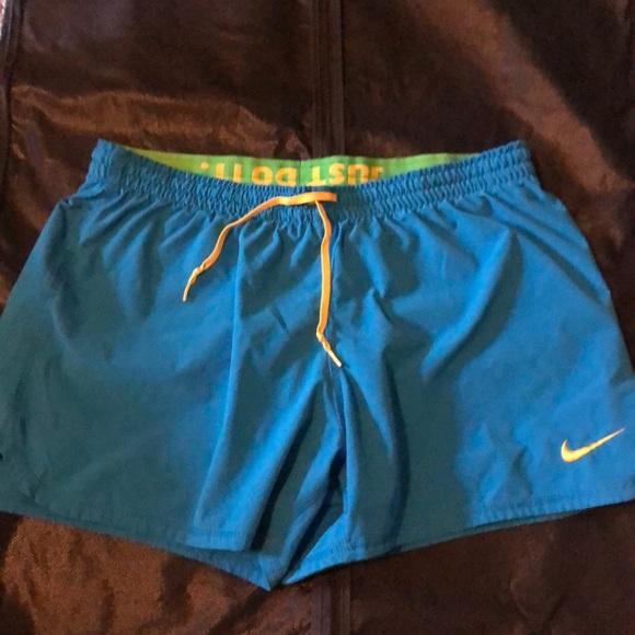 Nike Fit Dry women's athletic short, size M
